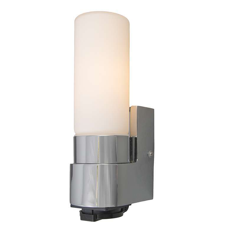 Badkamer wandlamp Midas I chrome met stopcontact - Lampenlicht.be