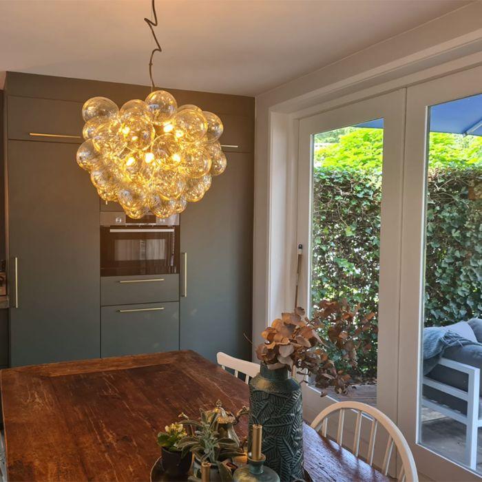 Art-Deco-hanglamp-zwart-met-glas-8-lichts---Uvas