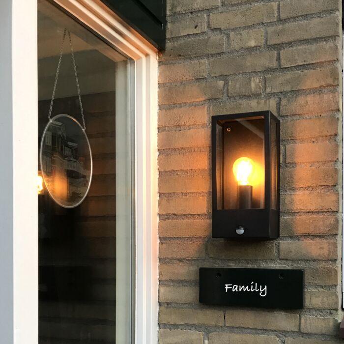 Buitenwandlamp-zwart-met-bewegingsmelder-IP44---Rotterdam-1