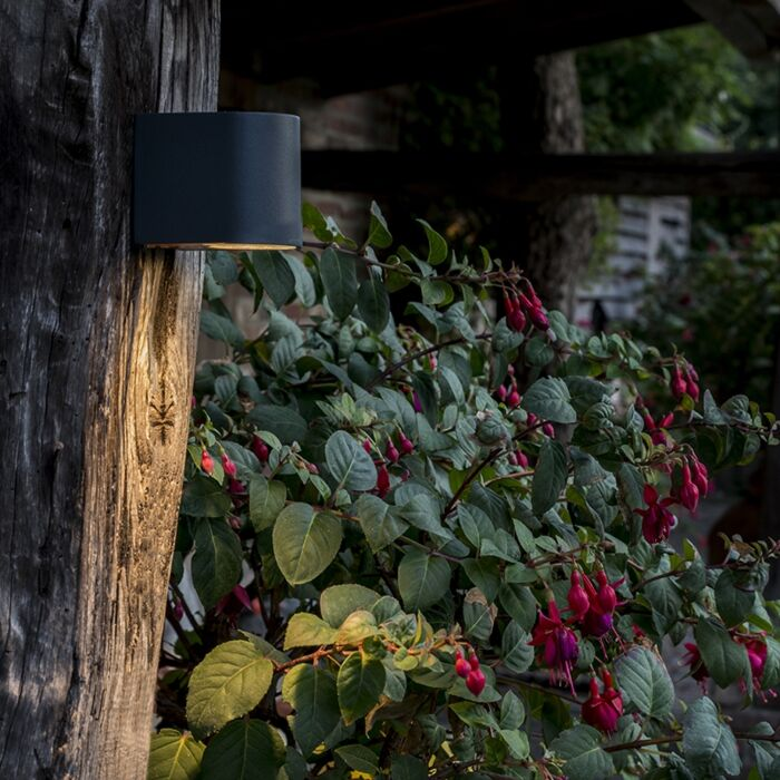 Moderne-buitenwandlamp-donker-grijs-IP44---Ben-1