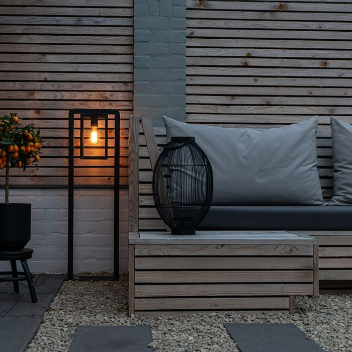 Moderne-vierkante-staande-buitenlamp-zwart---Jarra-Balanco