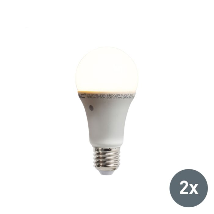Set-van-2-LED-lampen-met-ingebouwde-licht-donker-sensor-E27-9W-806-lumen-warm-wit-2700K