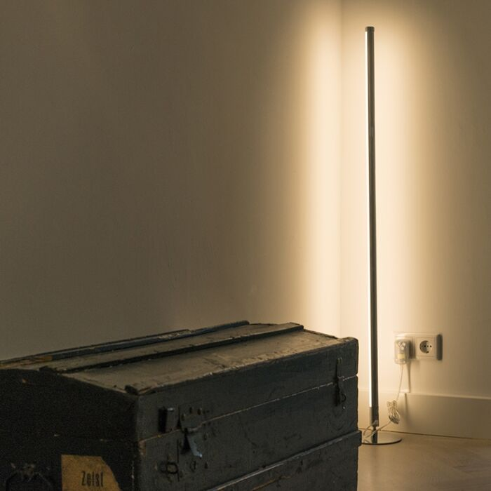 Moderne-vloerlamp-LED-chroom---Line-up